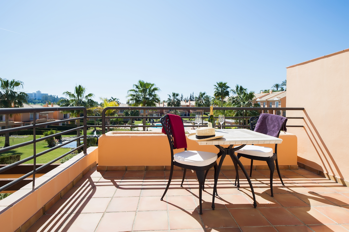 Paraiso park marbella property management for Terrace upstairs
