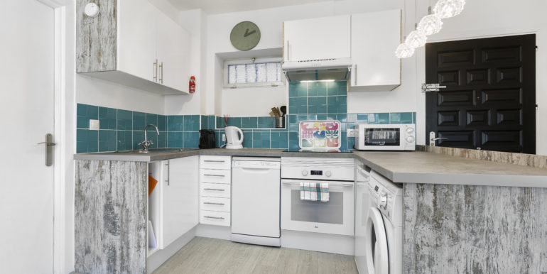 Fully fitted kitchen 2017